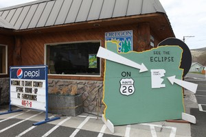 The Grant County Chamber of Commerce is throwing the door open for eclipse chasers.