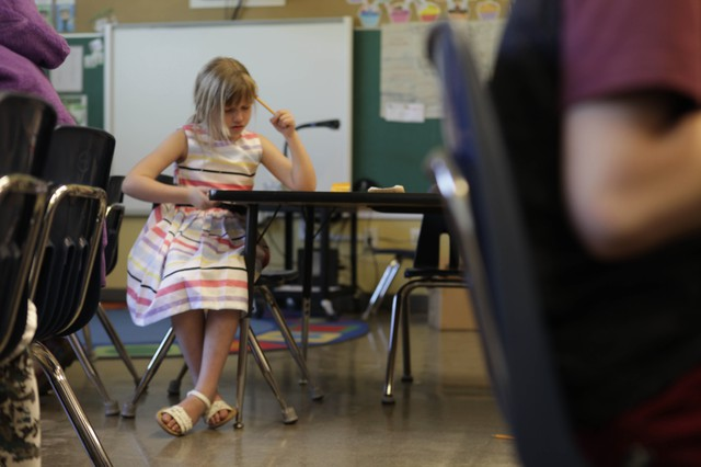 Shelby follows along in class at Earl Boyles Elementary School in Portland. Shelby is one of many students who struggles with dyslexia, something Oregon lawmakers are targeting.