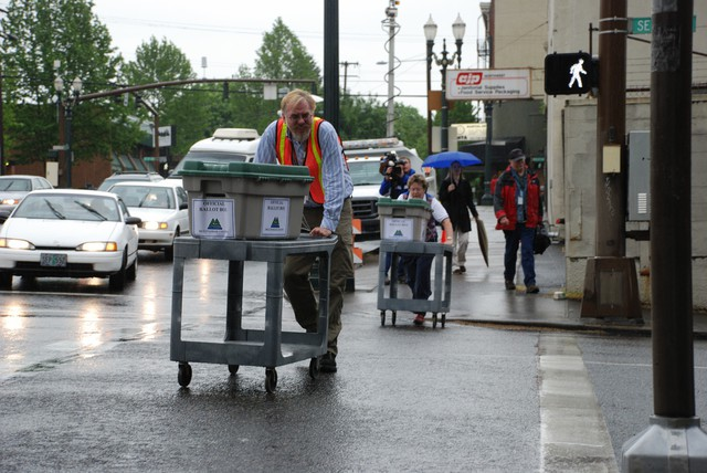 Multnomah County voters will choose whether to appoint or elect future sheriffs and whether to limit county campaign contributions this fall.