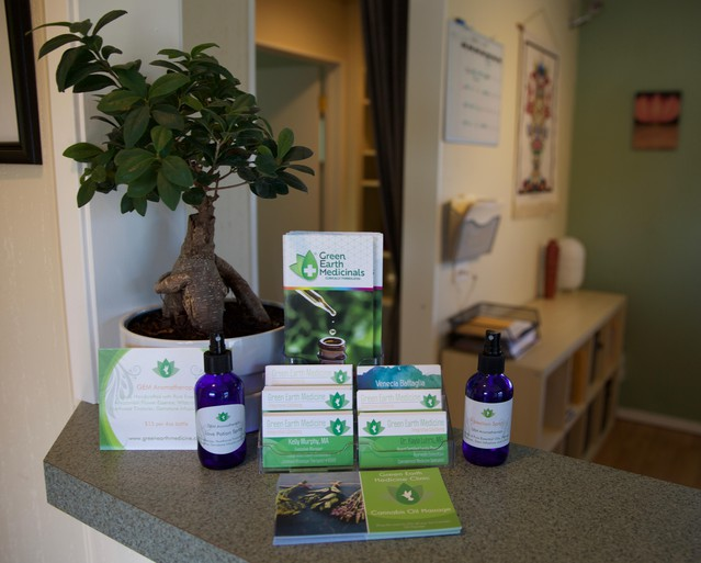 Customers of Green Earth Medicine want to try cannabis to treat their ailments, but they just aren't sure how.