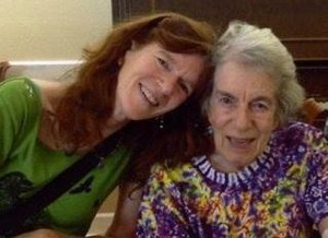 Paula Olch (right) poses with her daughter Karen. Paula died on June 22, 2019. She became one of the first people to donate both her body and her brain to OHSU programs for medical research and education.