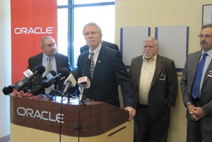 Gov. Kitzhaber speaks at Oracle Corp. in 2013.
