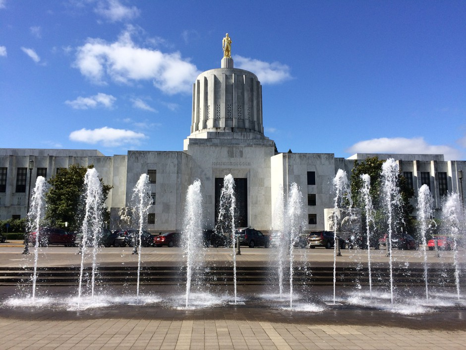 Here S The Kicker Oregonians To Receive A Tax Rebate In 2018 News Opb