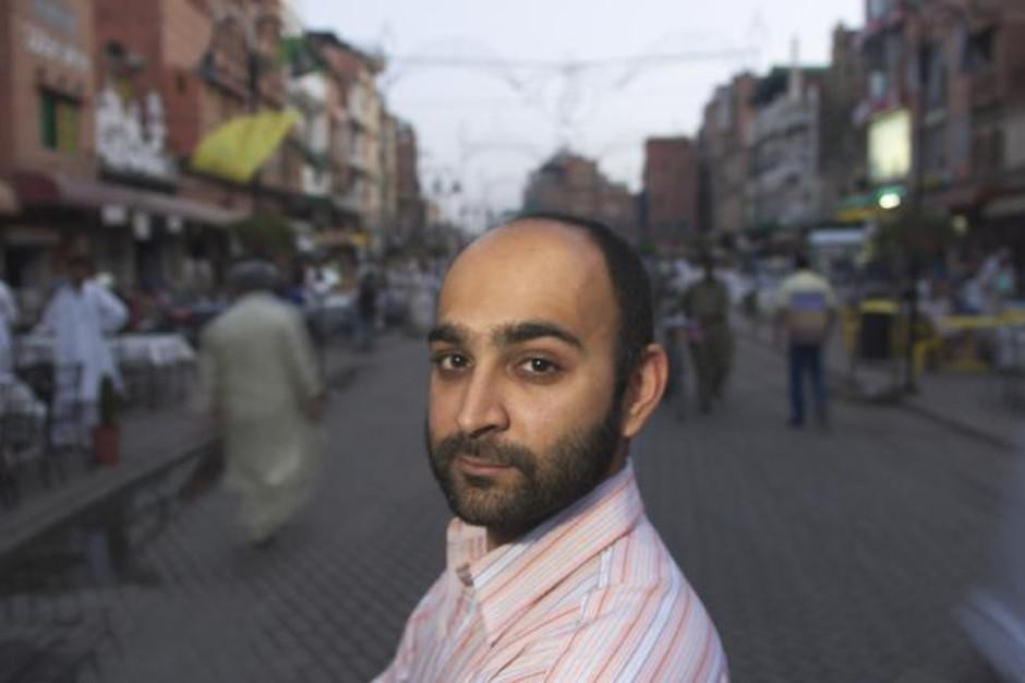 """Mohsin Hamid's novel, """"Exit West""""chronicles contemporary migration, drawing upon Hamid's own experiences moving around the world."""